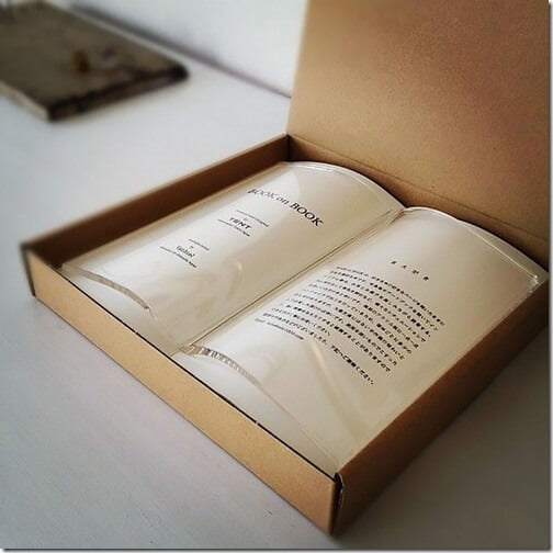 読みかけの本がインテリアになってしまう、透明な栞『BOOK on BOOK』